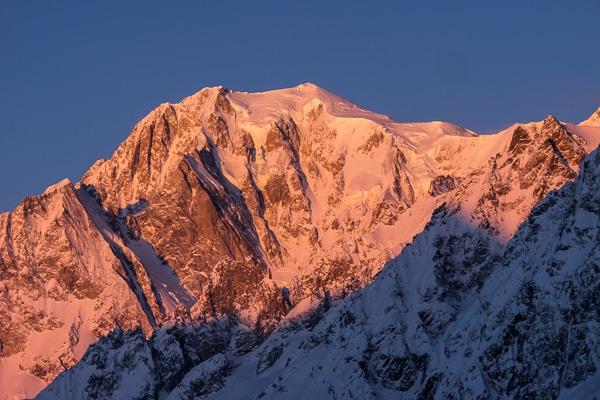 Lever du soleil sur le Mont Blanc