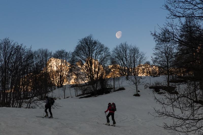 Ski sous la lune