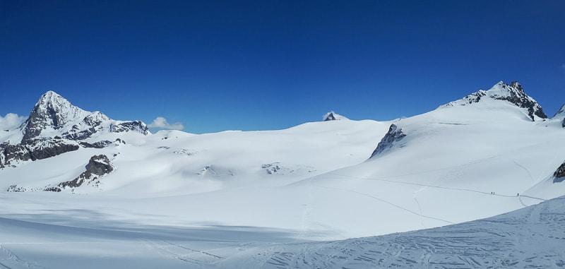 Panorama depuis la cabane Bertol