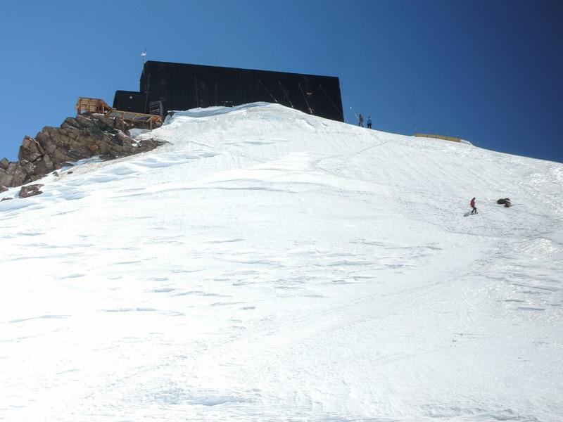 Mur de glace pour arriver à la Cabane Margherita